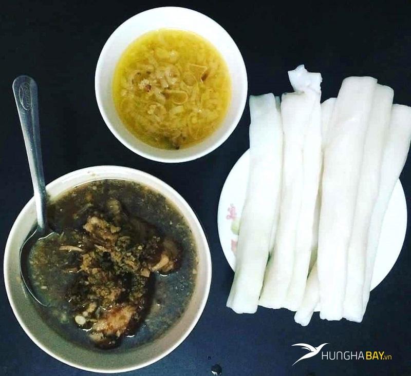 """Bánh """"gật gù"""" Quảng Ninh"""