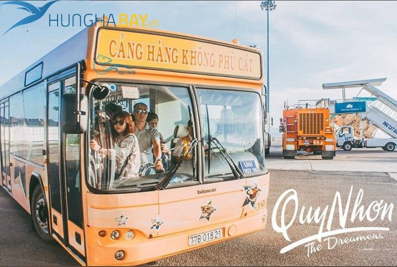 di chuyển bằng xe bus từ sân bay phù cát