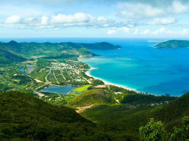 Đặt vé máy bay đi Côn Đảo để khám phá vẻ đẹp tiềm ẩn của thiên nhiên
