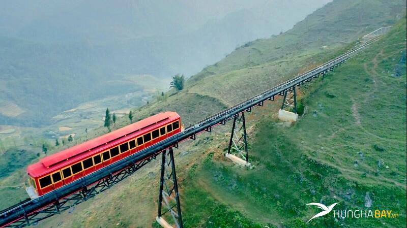 Di chuyển bằng tàu hỏa lên Lào Cai