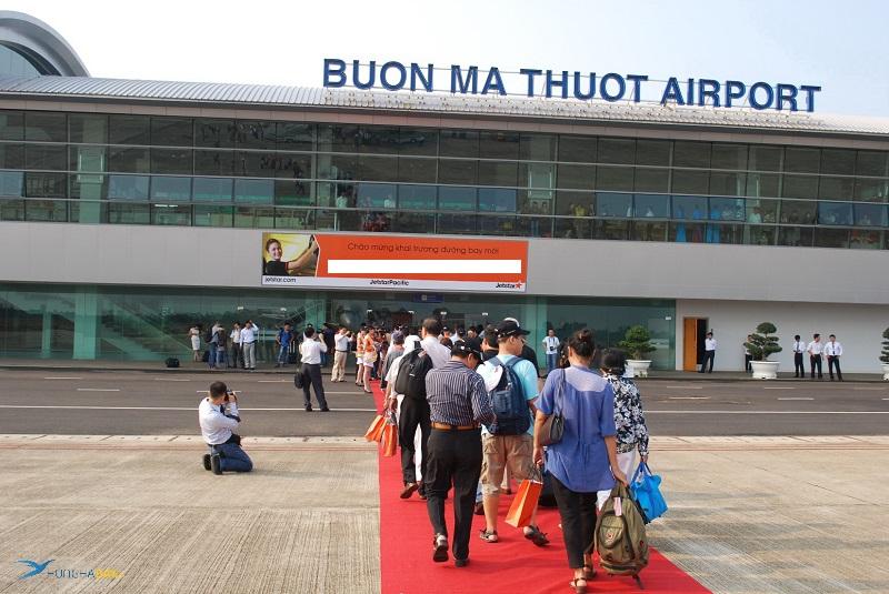 Gía vé máy bay Buôn Mê Thuột - Hà Nội