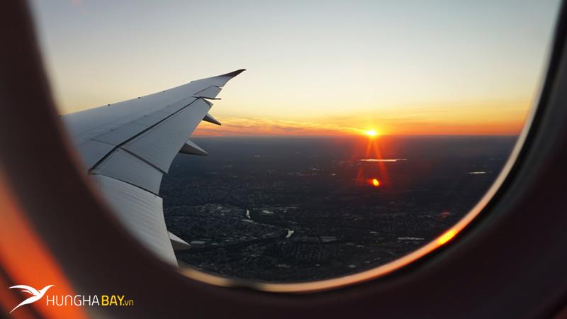 Tư vấn đặt mua vé máy bay đi Lào giá rẻ từ Việt Nam