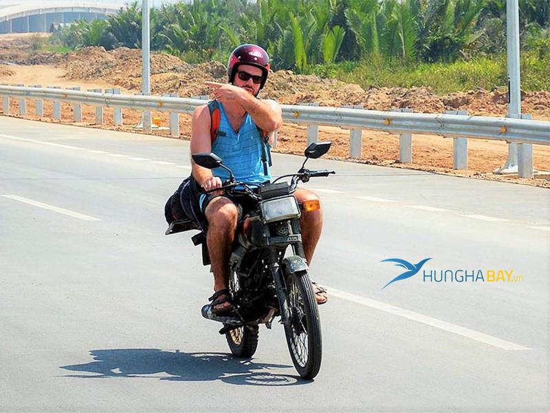 Vé máy bay đi Bắc Ninh - Di chuyển từ sân bay về Bắc Ninh bằng xe máy