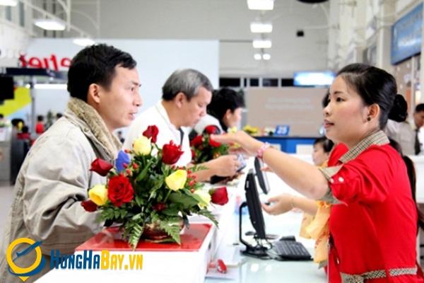 2 cách phòng tránh vé máy bay giả cho khách hàng