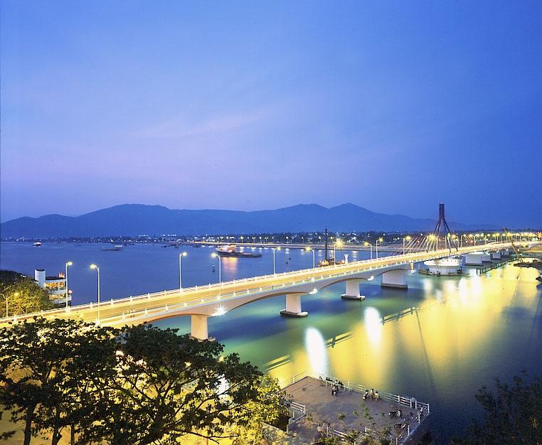 Đặt vé máy bay giá rẻ đi Đà Nẵng chỉ từ 299k ngay hôm nay tại hunghabay