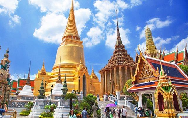 Du lịch và thưởng thức ẩm thực Thái Lan